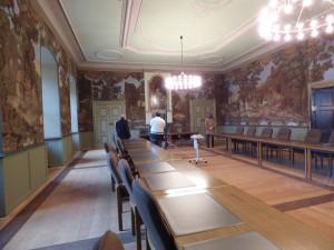 Heutzutage wird der Raum für Sitzungen verwendet.