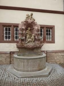 Renaissance-Brunnen