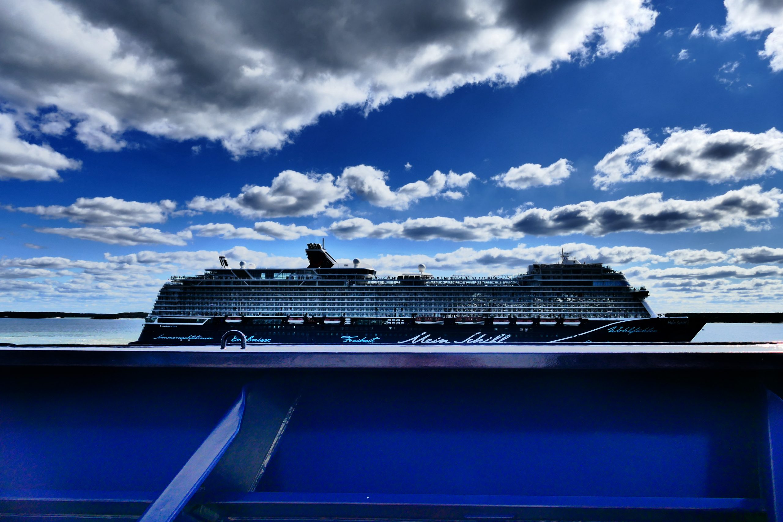 Doch nicht Norwegen: Auf Panoramafahrt mit der Mein Schiff 1